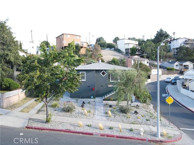 4. 2533 Lombardy Boulevard Los Angeles, CA 90032