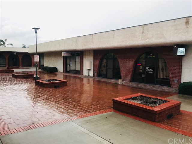 487 S. CORONA MALL, Corona, CA 92879