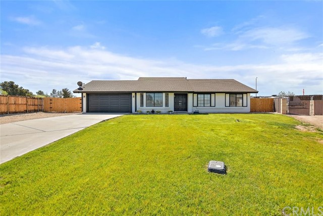 13101 Hollyberry Rd, Victorville, CA 92392 Photo