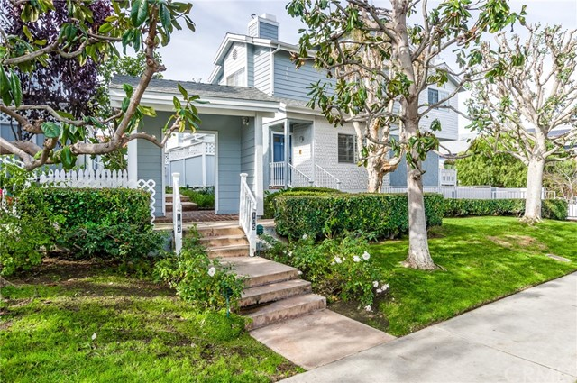105 Broadway, Redondo Beach, California 90277, 3 Bedrooms Bedrooms, ,2 BathroomsBathrooms,Townhouse,For Sale,Broadway,SB19015035