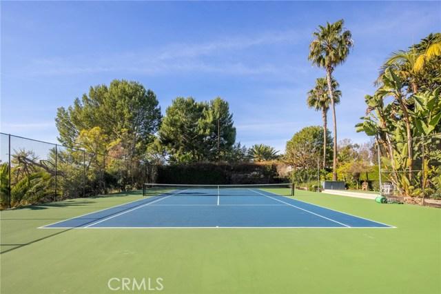 49. 909 Via Coronel Palos Verdes Estates, CA 90274
