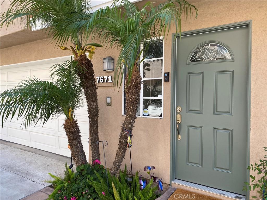 7671     Yorktown Avenue, Huntington Beach CA 92648