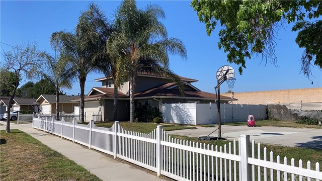20534 Harvest Av, Lakewood, CA 90715 Photo