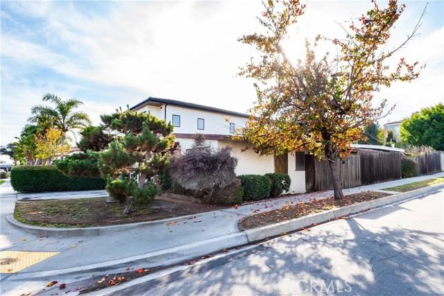 1300 18th Street, Manhattan Beach, California 90266, 2 Bedrooms Bedrooms, ,1 BathroomBathrooms,For Sale,18th,SB19002050