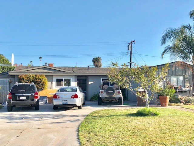 10912 Linnell Avenue, Santa Ana, CA 92843
