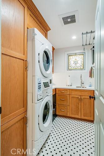 1201 Oak Avenue, Manhattan Beach, California 90266, 4 Bedrooms Bedrooms, ,2 BathroomsBathrooms,For Sale,Oak,SB21068472