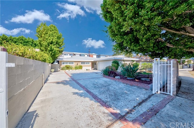 3. 7002 Van Noord Avenue North Hollywood, CA 91605