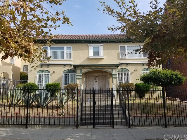 206 S Catalina Street, Los Angeles, CA 90004