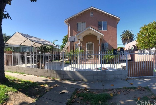 629 E 85th Street, Los Angeles, CA 90001