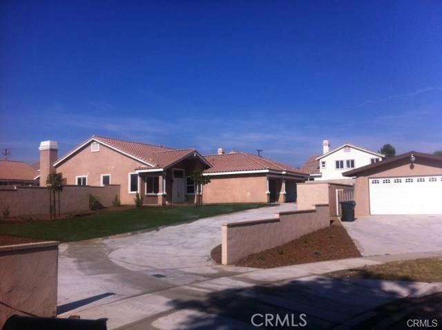 9348 Emerald Avenue, Fontana, CA 92335