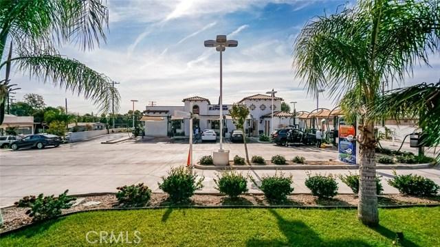 100 W Whittier Boulevard, La Habra, CA 90631
