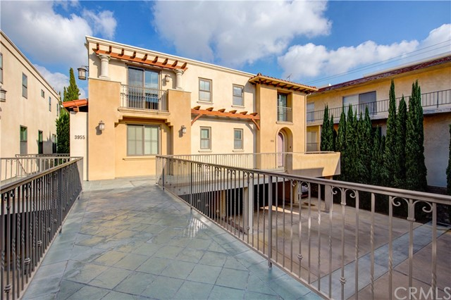 3951 226th Street, Torrance, California 90505, 3 Bedrooms Bedrooms, ,3 BathroomsBathrooms,Townhouse,For Sale,226th,SB20007674