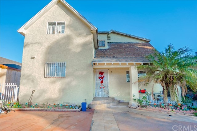 927 E 57th Street, Los Angeles, CA 90011