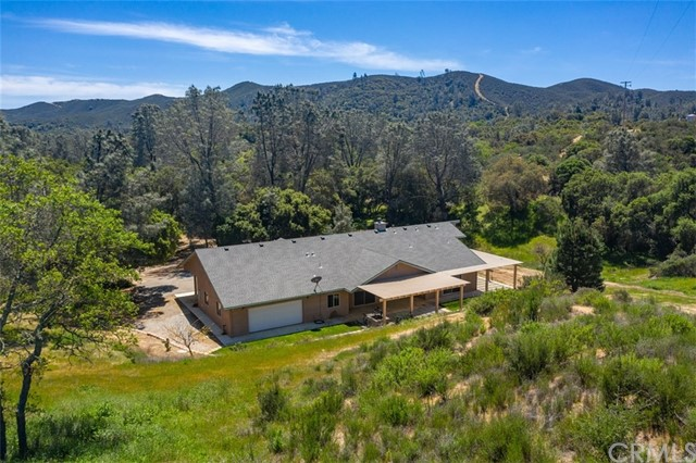 8090 Rocky Terrace Way, Creston, CA 93432