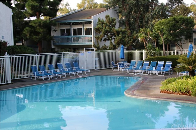 812 Camino Real 202, Redondo Beach, California 90277, 2 Bedrooms Bedrooms, ,2 BathroomsBathrooms,For Sale,Camino Real,SB16008320