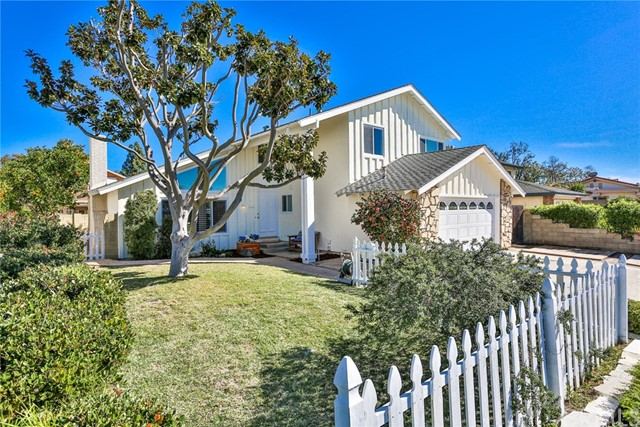 18352 Springtime Lane, Huntington Beach, CA 92646