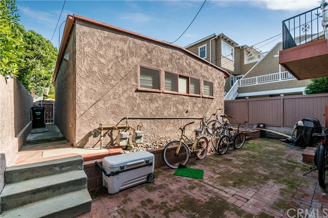1838 Manhattan Avenue, Hermosa Beach, California 90254, ,For Sale,Manhattan,SB21031939