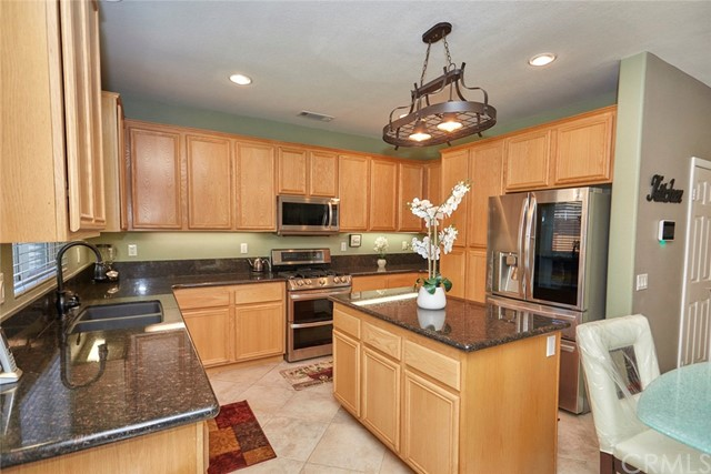 13803 Grant Wy, Oak Hills, CA 92344 Photo 13