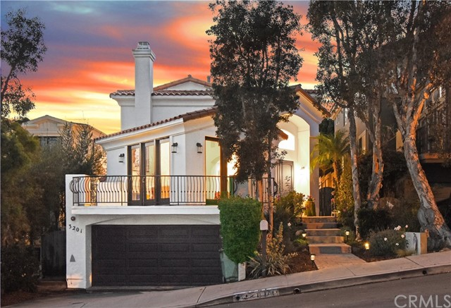 3201 Poinsettia Avenue, Manhattan Beach, California 90266, 5 Bedrooms Bedrooms, ,4 BathroomsBathrooms,For Sale,Poinsettia,SB20238691