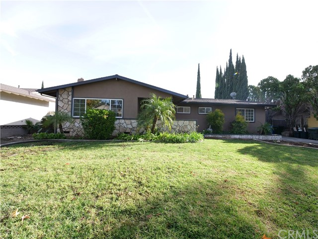 1522 N 1st Avenue, Upland, CA 91786