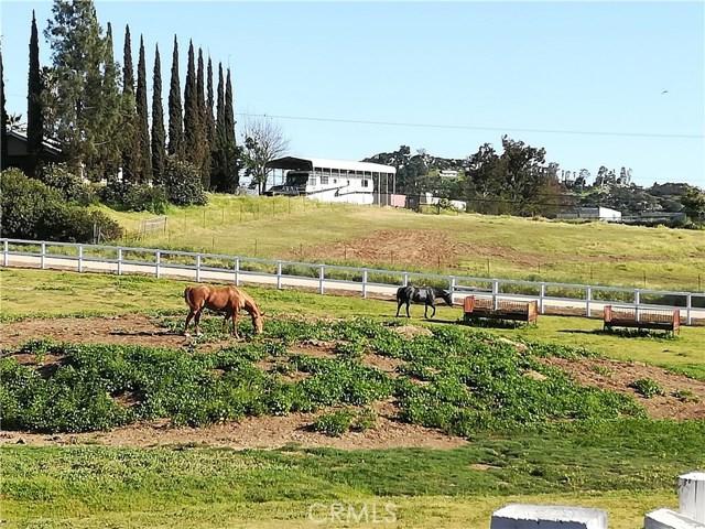 1330 Royal Vista Drive, Ramona, CA 92065
