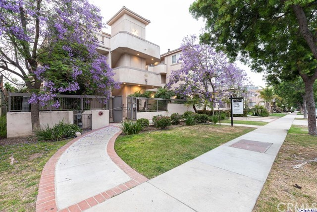 400 Cameron Place 105, Glendale, CA 91207