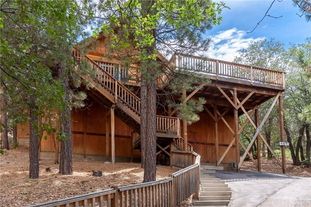469 Villa Grove Avenue, Big Bear, CA 92314