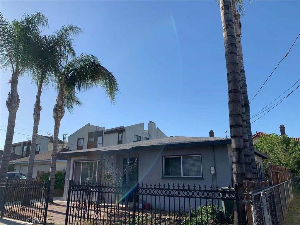 地址: 215 Emerson Avenue, Monterey Park, CA 91755