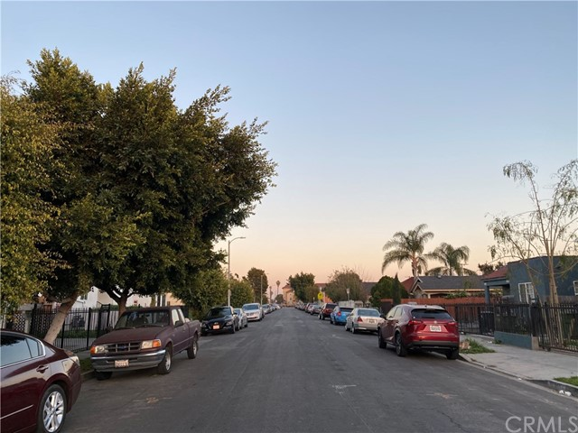 211 W 87th Place, Los Angeles, CA 90003