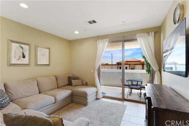 3887 Pell Place 232, San Diego, CA 92130