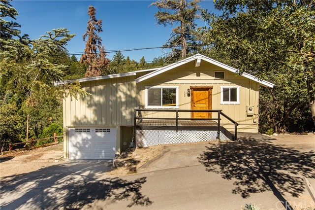 166 Craghill Drive, Cedar Glen, CA 92321