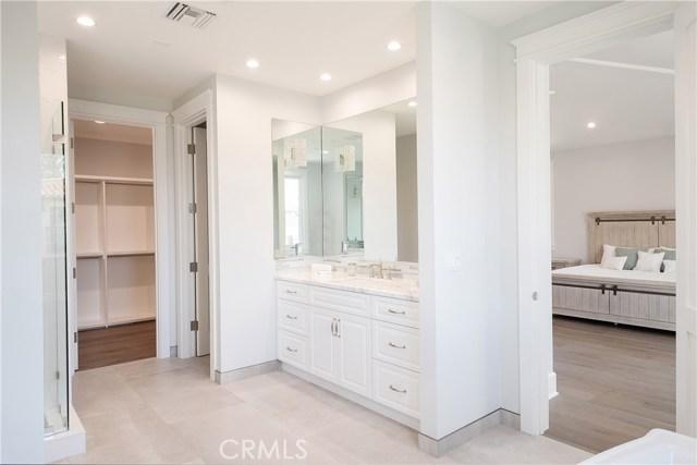 592 30th Street, Manhattan Beach, California 90266, 5 Bedrooms Bedrooms, ,6 BathroomsBathrooms,For Sale,30th,SB20102255