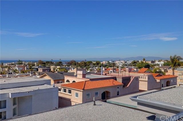 707 1st Place, Hermosa Beach, California 90254, 4 Bedrooms Bedrooms, ,4 BathroomsBathrooms,For Sale,1st,SB21031767