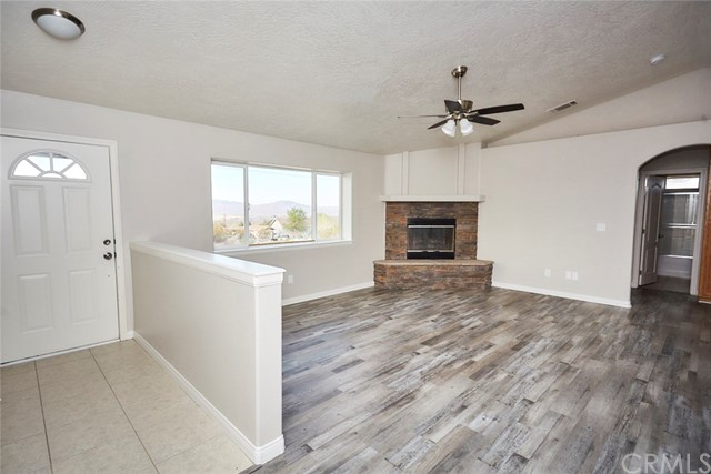 32755 Spinel Rd, Lucerne Valley, CA 92356 Photo 5