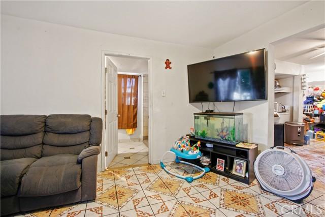 6. 919 Gonzales Street Placentia, CA 92870