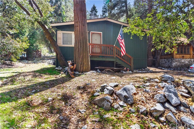 40203 Valley Of The Falls Drive, Forest Falls, CA 92339