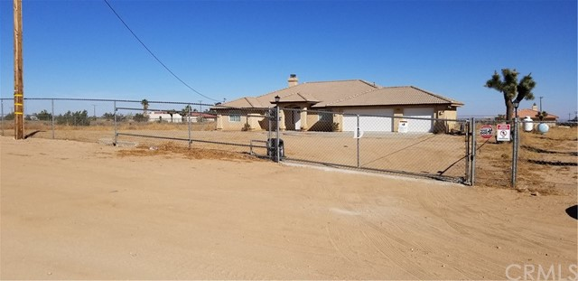 11132 White Road, Phelan, CA 93392