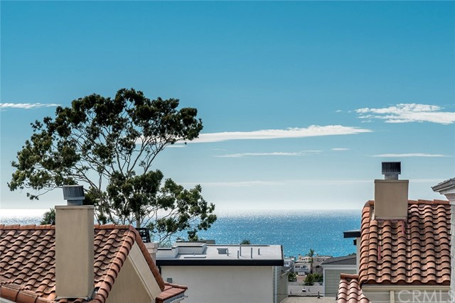1072 7th Street, Hermosa Beach, California 90254, 4 Bedrooms Bedrooms, ,3 BathroomsBathrooms,For Sale,7th,SB19164165