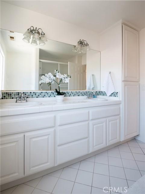 Spacious hall double sink Bathroom on second floor.
