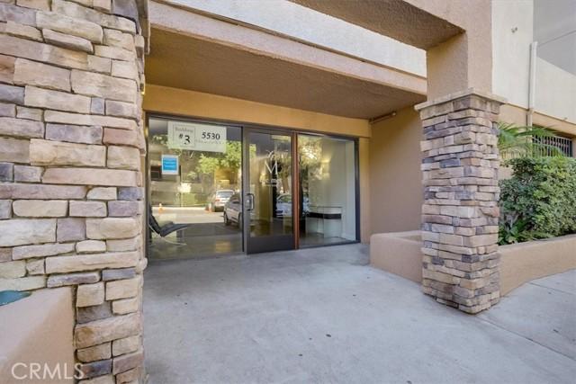5530 Owensmouth Avenue 211, Woodland Hills, CA 91367