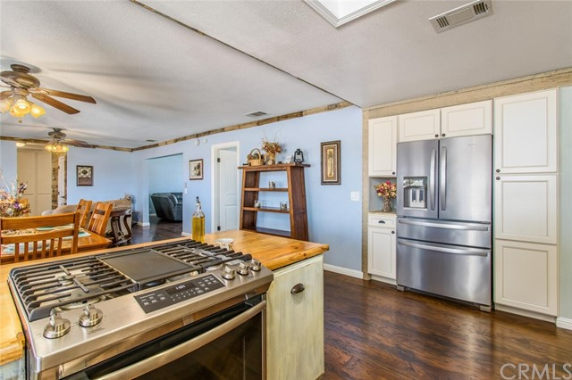 14. 26588 Lakeview Drive Helendale, CA 92342