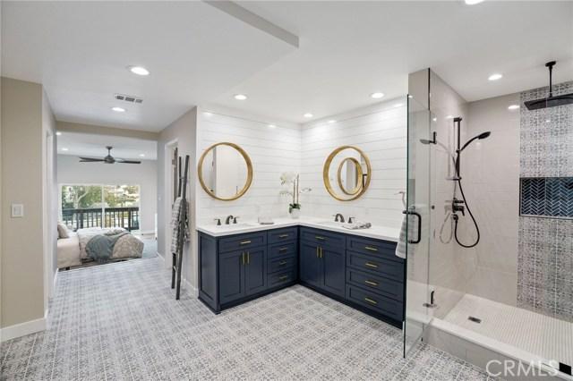 Master Bathroom off the lower level master bedroom