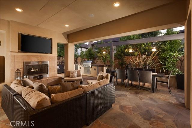 17461 Oakbluffs Lane, Huntington Beach, CA 92649