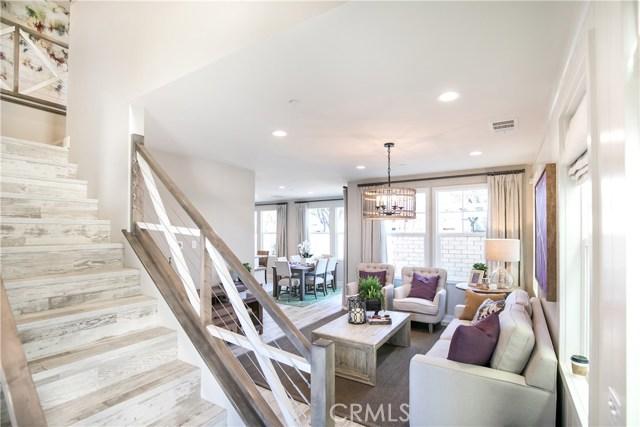 945 Vivid Lane, Costa Mesa, CA 92626
