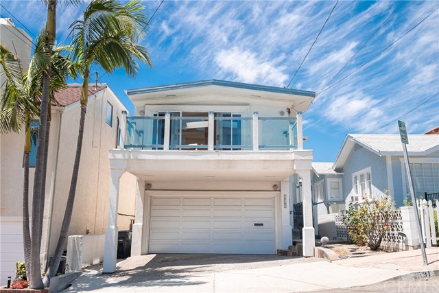 531 13th Street, Manhattan Beach, California 90266, 4 Bedrooms Bedrooms, ,2 BathroomsBathrooms,Single family residence,For Sale,13th,SB20116052