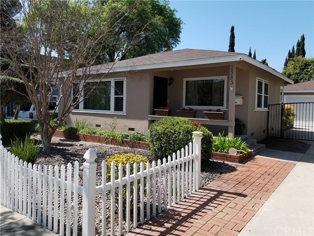 1383 Loma, Long Beach, CA 90804