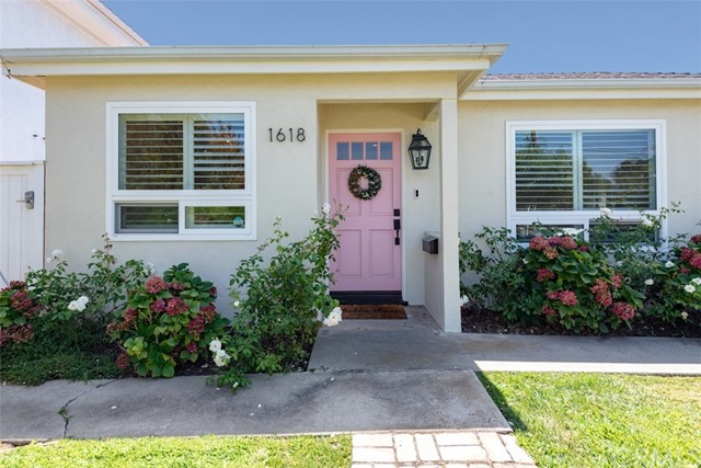 1618 5th Street, Manhattan Beach, California 90266, 3 Bedrooms Bedrooms, ,2 BathroomsBathrooms,For Sale,5th,SB18215648