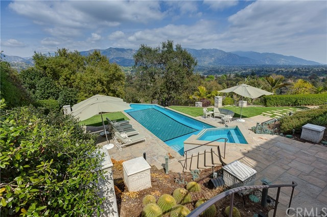607 Foxwood Road La Canada Flintridge, CA 91011