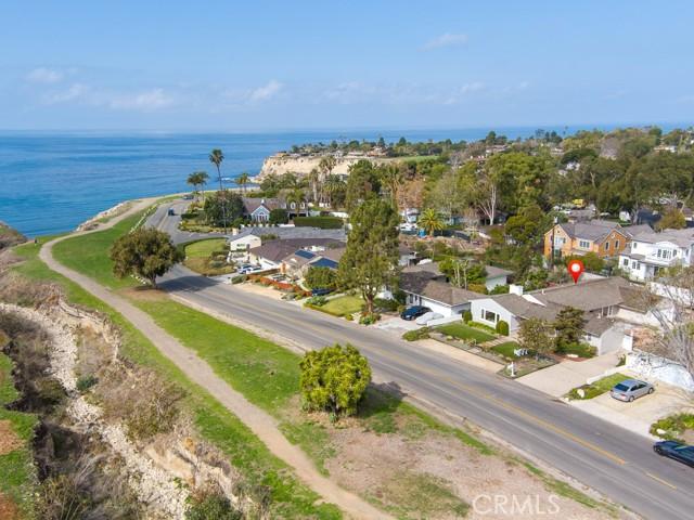 533 Paseo Lunado, Palos Verdes Estates, California 90274, 4 Bedrooms Bedrooms, ,2 BathroomsBathrooms,For Sale,Paseo Lunado,SB20262310