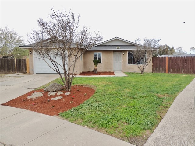 1040 W Anacapa Circle, Hanford, CA 93230